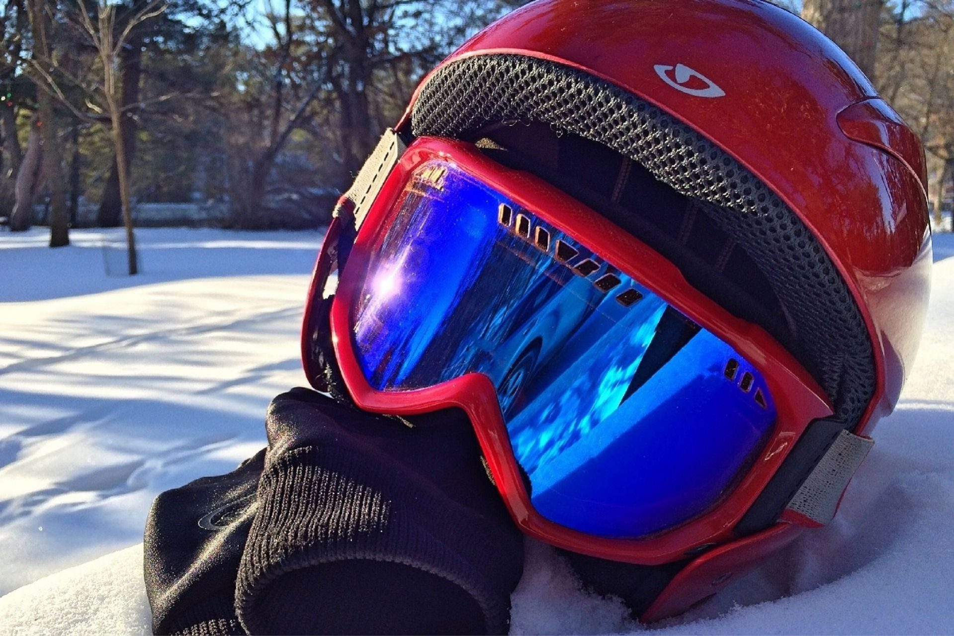 masque de ski dans la neige